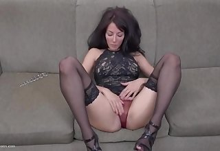 Beautiful slim MILF with flowing juicy pussy