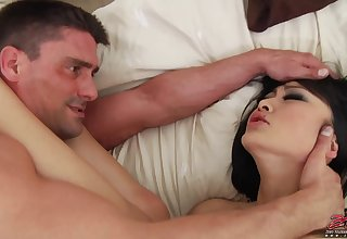 Evelyn Lin Asian hooker screwing hard for male cumshot